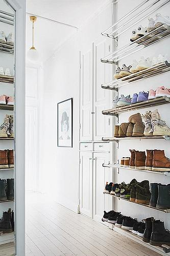 11 shoes room