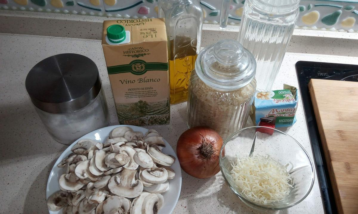 Ingredientes para hacer risotto de setas con Thermomix.