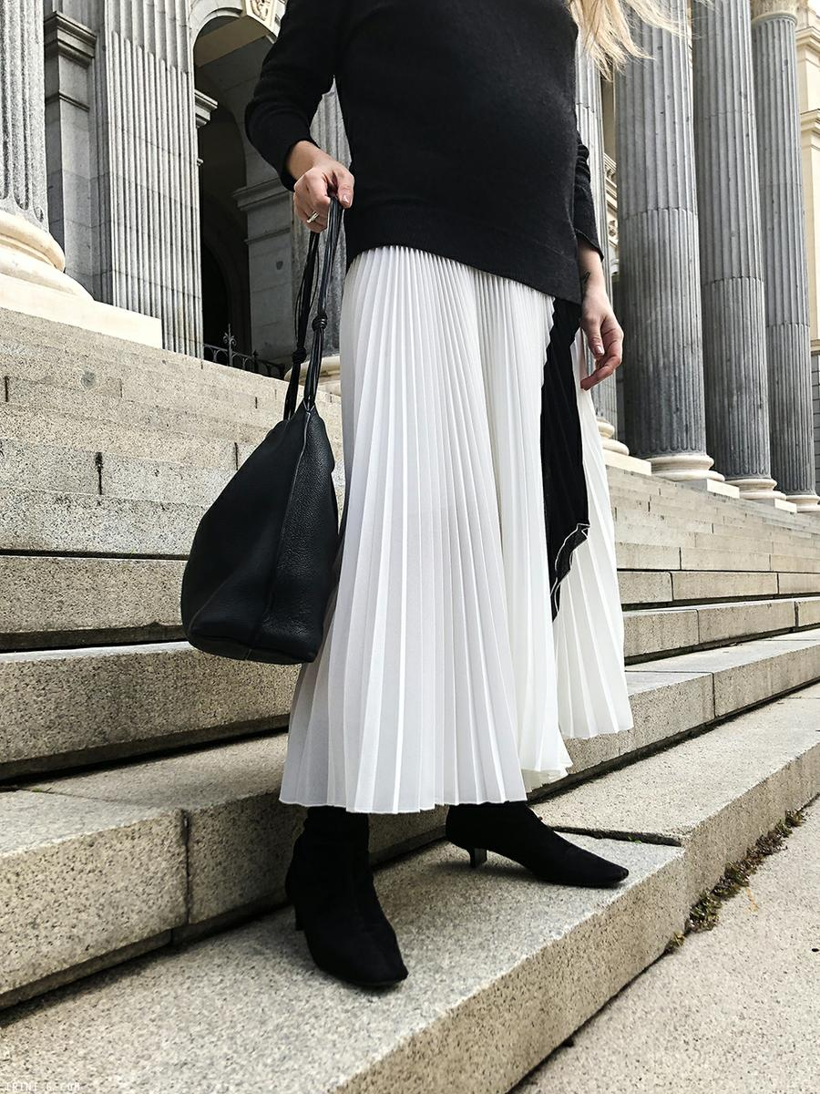 Trini | Equipment sweater Proenza Schouler skirt