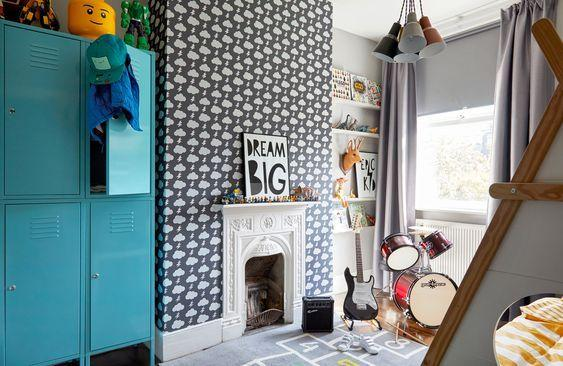 decoralinks | fun and fresh spirit thanks to a blue locker in a kids room