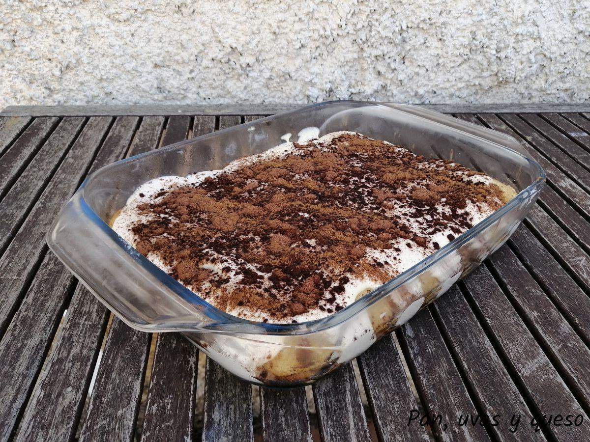 tiramisu thermomix - pan uvas y queso