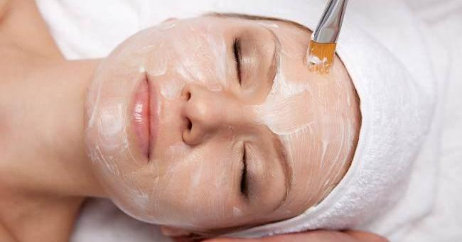 Microdermoabrasión casera para eliminar manchas, arrugas, cicatrices y acné