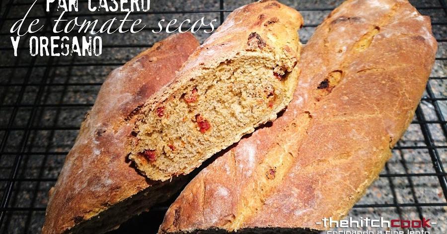 Pan casero de tomate secos y orégano