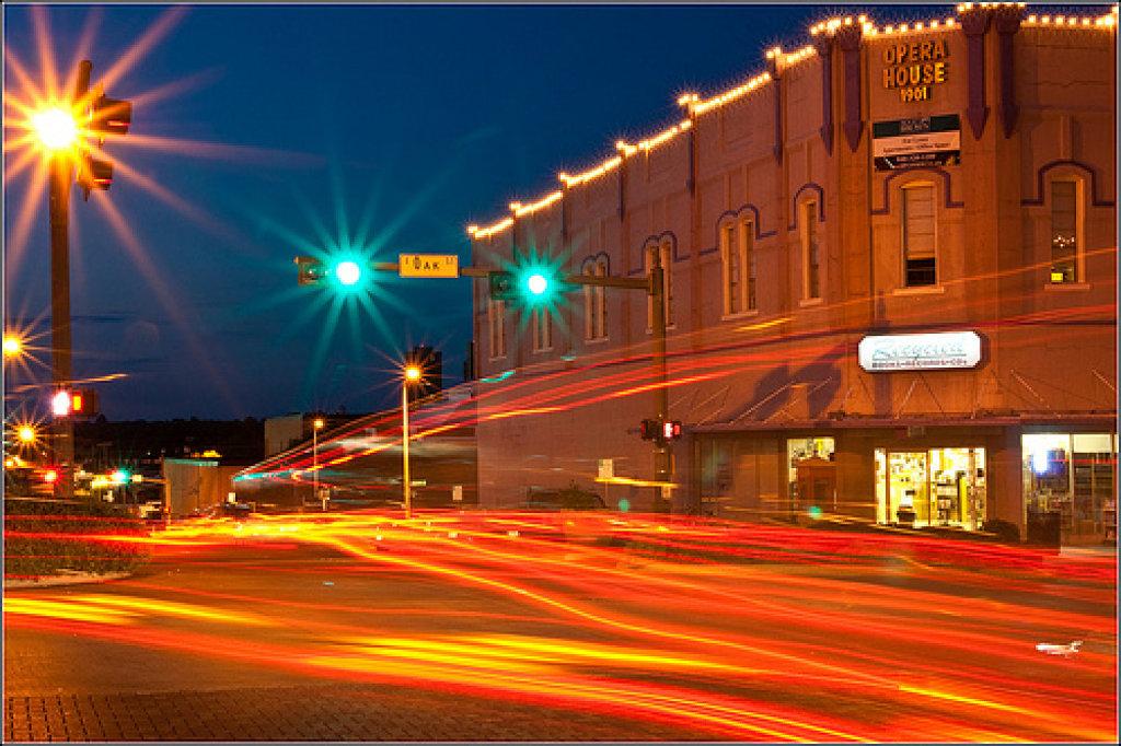 Cómo fotografiar la estela de luz de los coches
