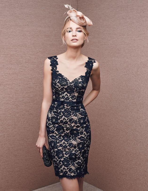 3769a9c61a Cómo combinar un vestido largo negro