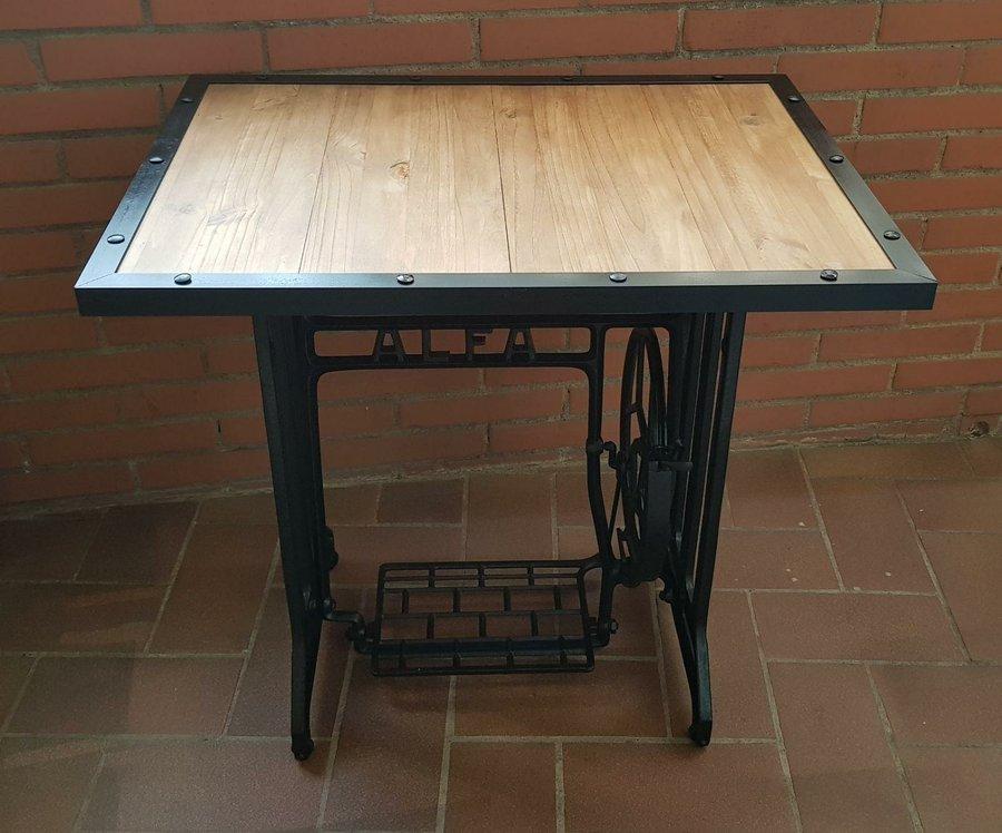 DIY: Mesa estilo industrial con patas de máquina de coser
