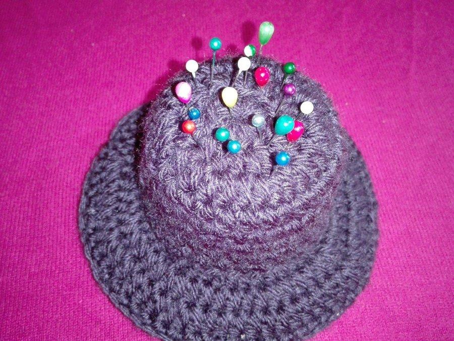 Alfiletero a crochet, elaborado con algunos materiales reciclados ...
