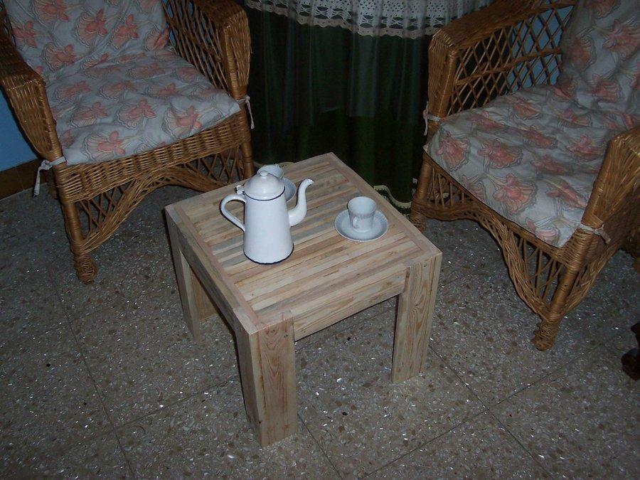 Una mesita de caf reciclada para el sal n bricolaje - Mesita de cafe ...