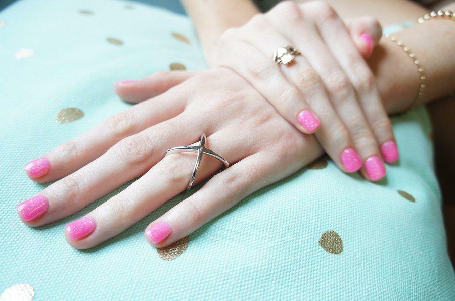 Disenos De Unas Colores Nude Y Rosado Para Unas Manos Delicadas Y De