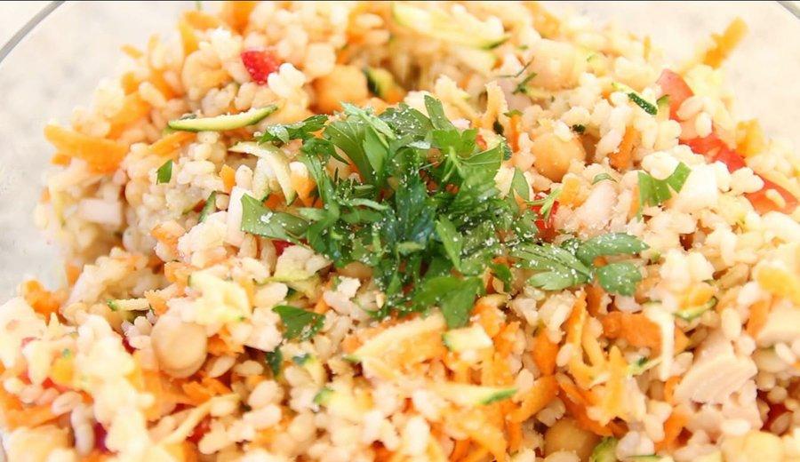 Ensalada de arroz, garbanzos y atún claro | Cocina