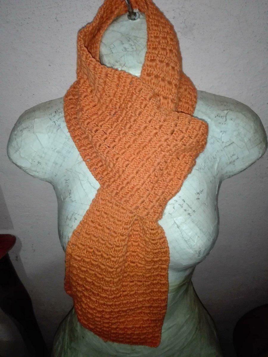 DIY Bufanda sin fin con eslavolenes en crochet | Manualidades
